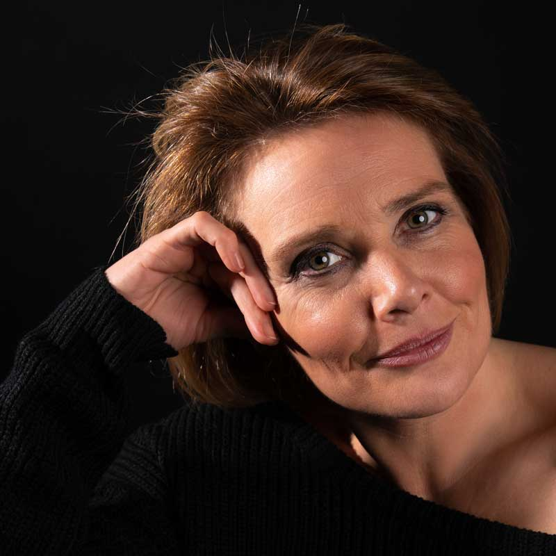 Karolien Desmet is podotherapeut, herborist en kruidenverwerker.